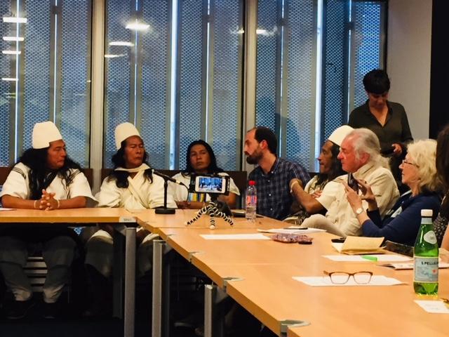 """""""Qué es la"""" contribución de lo Arhuacos tradicional (Colombia) en el futuro de la humanidad """""""